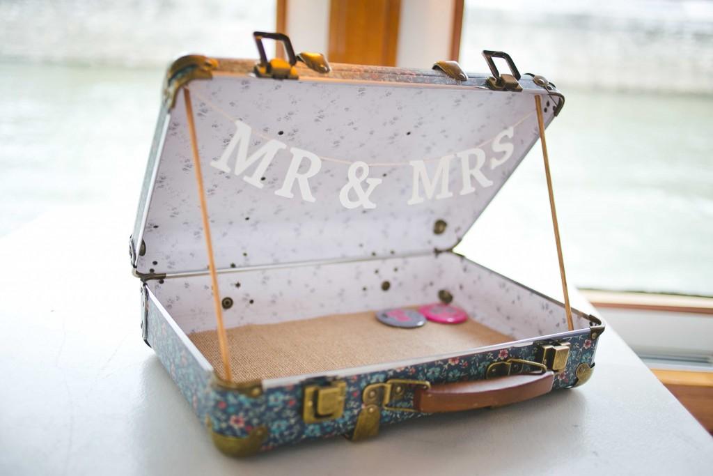 valise mariage, mariage plan de table, mariage badges, mariage voyage