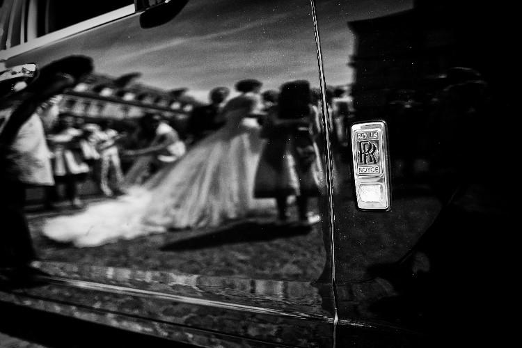 voiture mariage, photo noir et blanc mariage