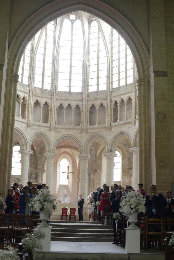 cérémonie religieuse mariage, allée église mariage