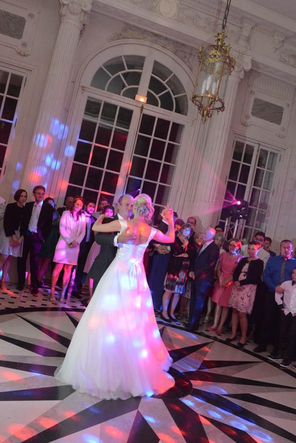 mariés qui dansent, danse des mariés, valse mariés