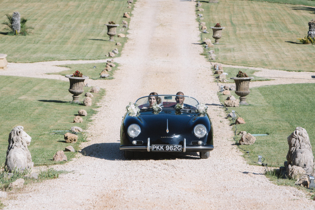 mariage luxe, arrivée mariés Porsche
