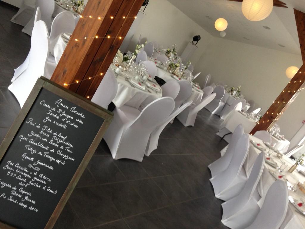ardoise menu mariage, guirlandes décoration mariage
