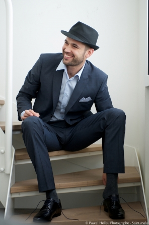 chapeau marié, costume de marié, barbe marié