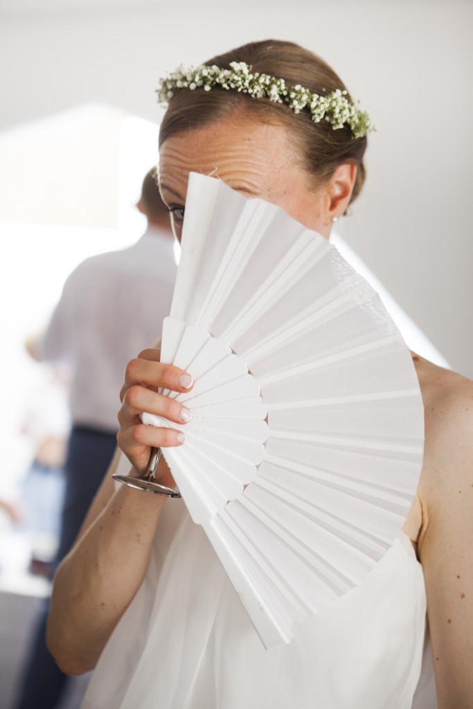 Mariée avec évantail